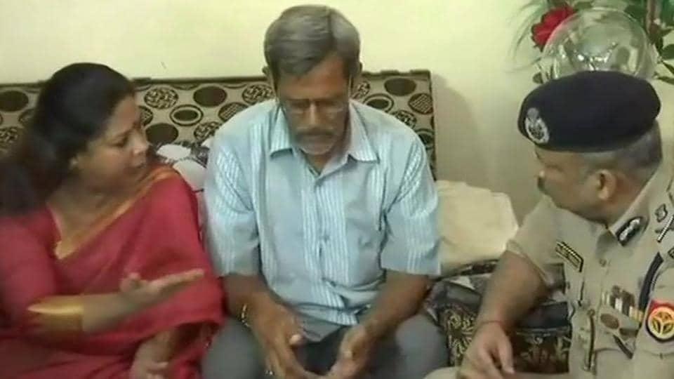 uttar Pradesh cop,apple executive,vicek tiwari