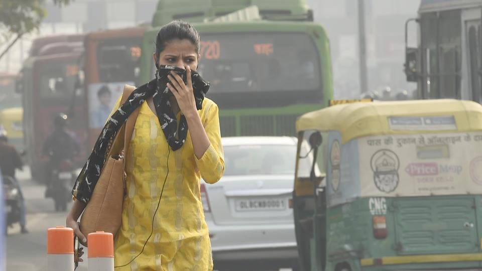 The air quality of Delhi started deteriorating since Thursday night and by Friday the average air quality of the city was standing at 197, just four notches below the 'poor' zone.