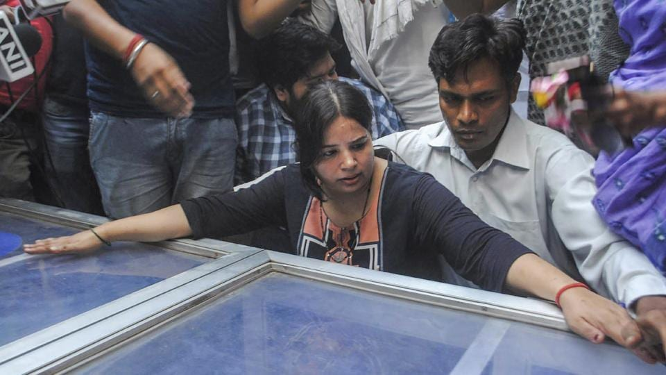 Apple executive killed in UP,UP Police,Vivek Tiwari