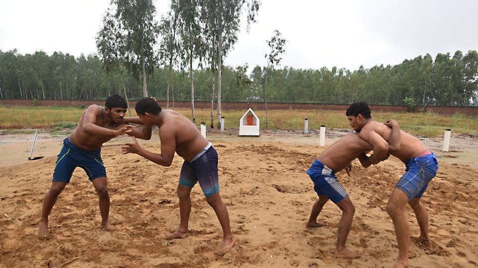 Yogeshwar Dutt,Yogeshwar Dutt wrestling,Yogeshwar Dutt Academy