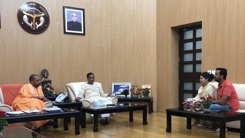 Kalpana Tiwari, widow of Apple employee Vivek Tiwari, meets Yogi Adityanath at his official 5 KD residence.