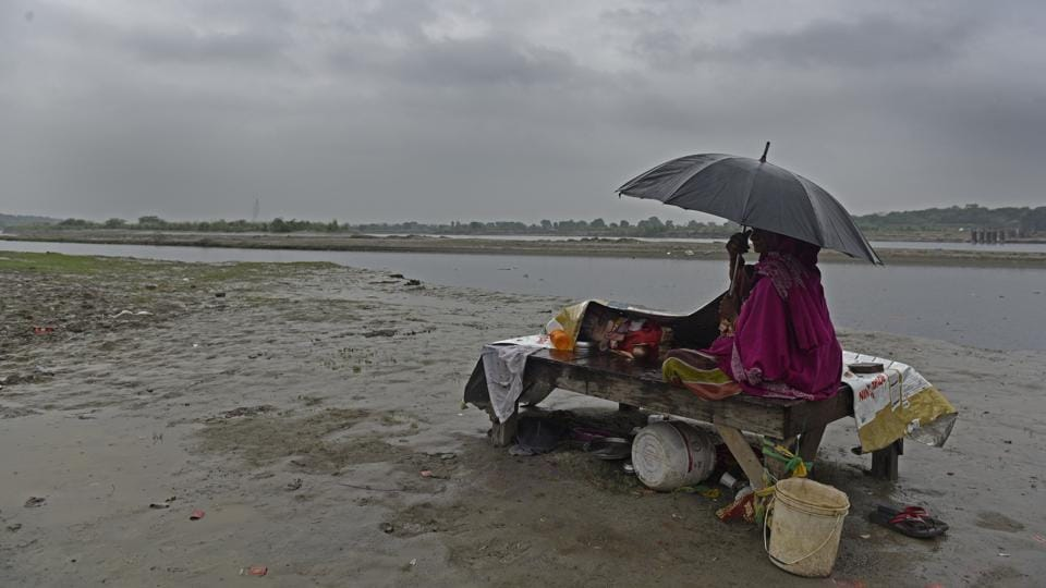The Southwest Monsoon, which brings rain from June to September, recorded a countrywide deficit of more than 9% this year, with the north-eastern states of Arunachal Pradesh, Assam, Meghalaya, Manipur, Mizoram, Nagaland and Tripura receiving scanty rainfall, according to data from the India Meteorological Department (IMD). There was an overall 5% monsoon deficit in 2017. (Sanchit Khanna / HT Archive)
