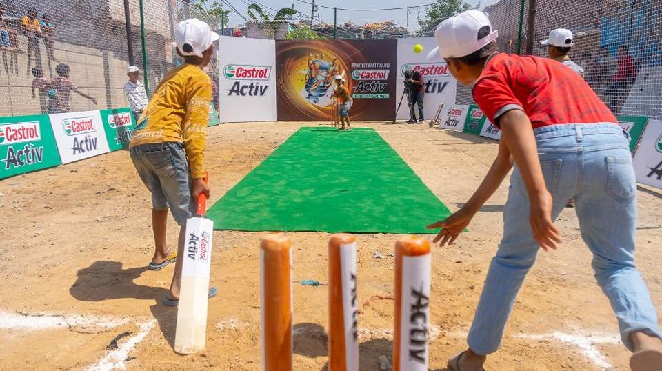 Castrol teamed up with the youth in Delhi, Chennai, and Ahmedabad to clean up filthy areas in their cities. The spaces were then used to play box cricket!