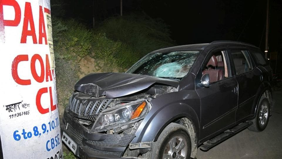 The damaged vehicle of Vivek Tiwari, an Apple executive, is seen after he was allegedly shot dead by a police constable in the Gomti Nagar of Lucknow, India September 29, 2018.