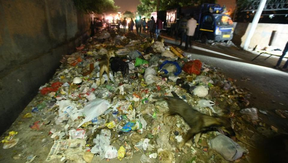 delhi,EDMC sanitation workers strike,sanitation workers strike in east Delhi