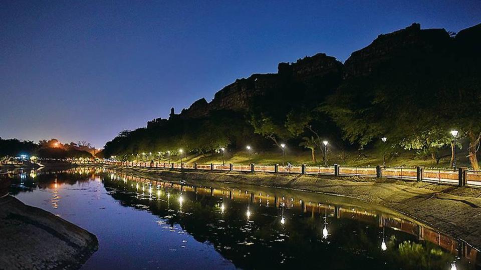 purana qila,purana qila lake,ASI