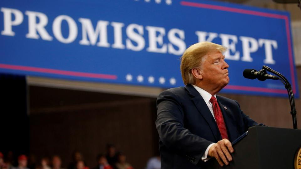 US President Donald Trump addresses supporters during a campaign rally at Mayo Civic Center in Rochester, Minnesota. (Leah Millis / REUTERS)