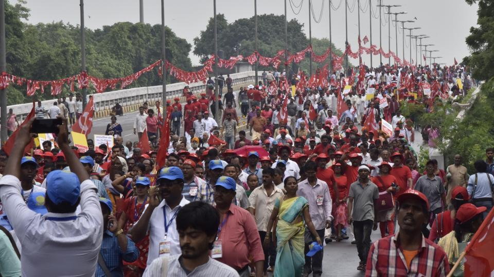 Kisan rally at Maharaj Ranjeet Singh flyover, in New Delhi, India on September 05, 2018. The Congress is organising a farmers' rally in Delhi on October 23 in protest against the Modi government's agrarian policy.