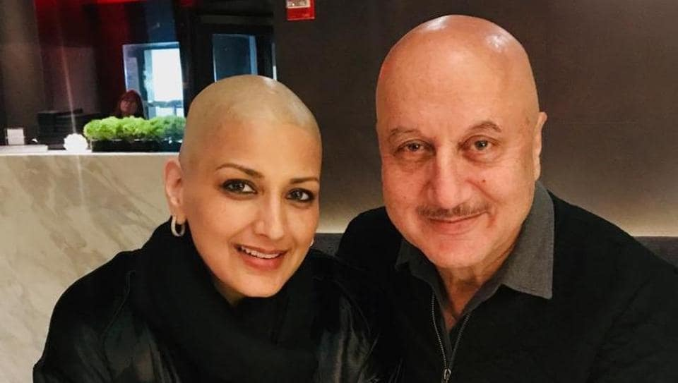 Sonali Bendre and Anupam Kher pose together in New York.
