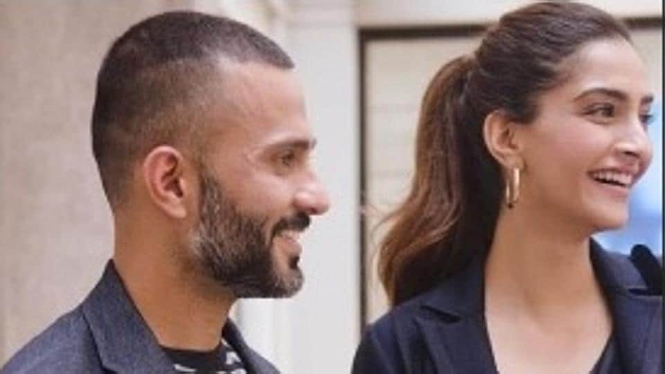 Sonam Kapoor shared a lovely pic with husband Anand Ahuja.