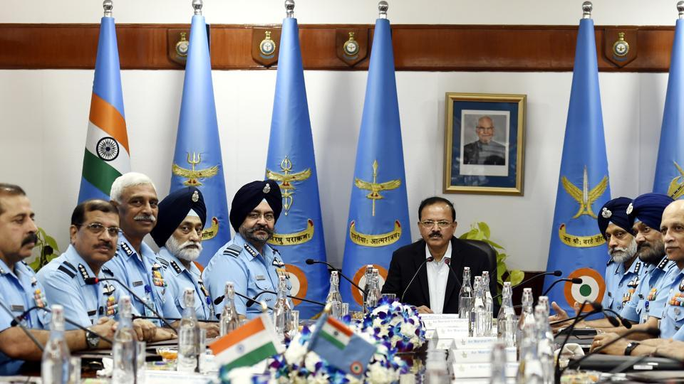 Union Minister of State for Defence Subhash Ramrao Bhamre and Air Chief Marshal Birender Singh Dhanoa during the IAF Commanders' conference at Air headquarters in New Delhi. (Arvind Yadav / HT Photo)