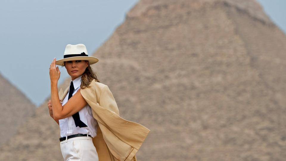 US First Lady Melania Trump visits the Giza Pyramids during the final stop of her week-long trip through four countries in Africa. (Saul Loeb / AFP)