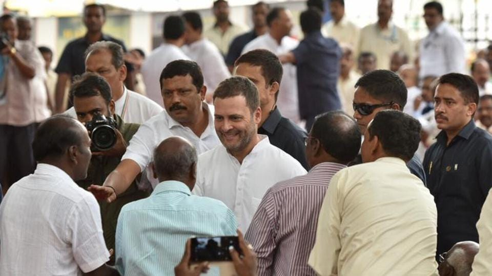 rahul gandhi,rahul gandhi HAL,rahul gandhi meets HAL workers