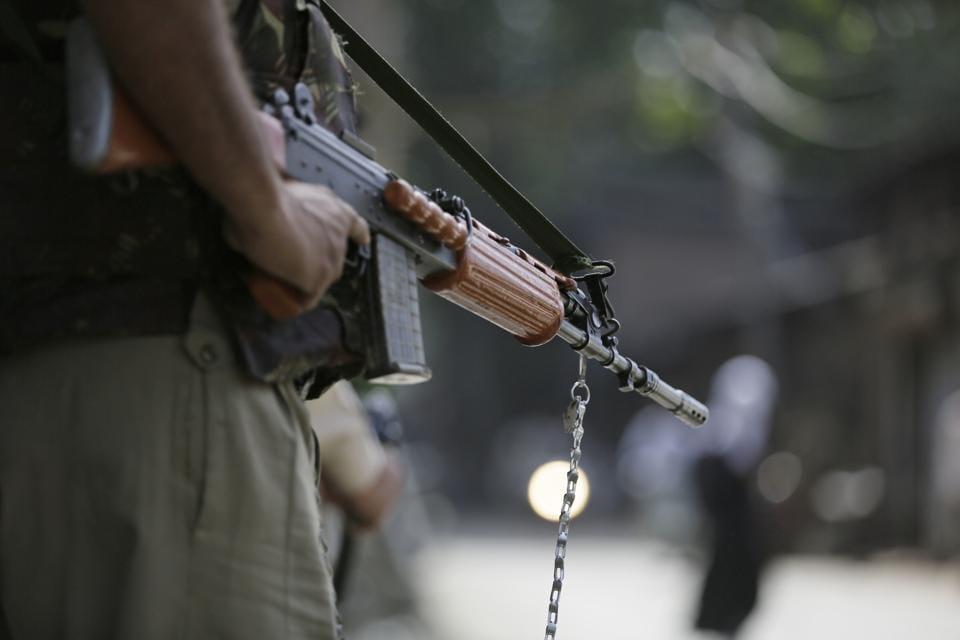 Baramulla,Sopore,Policeman shot dead