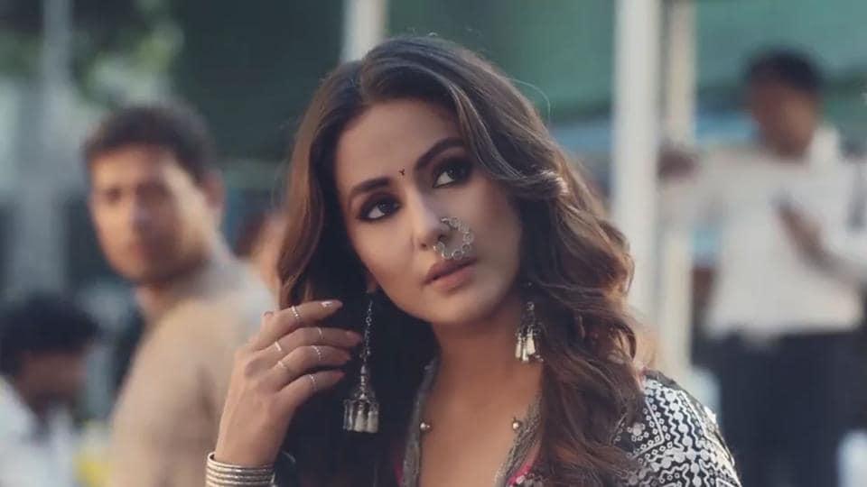 Hina Khan Is Here As Komolika To Ruin Anurag Prerna S Lives Watch