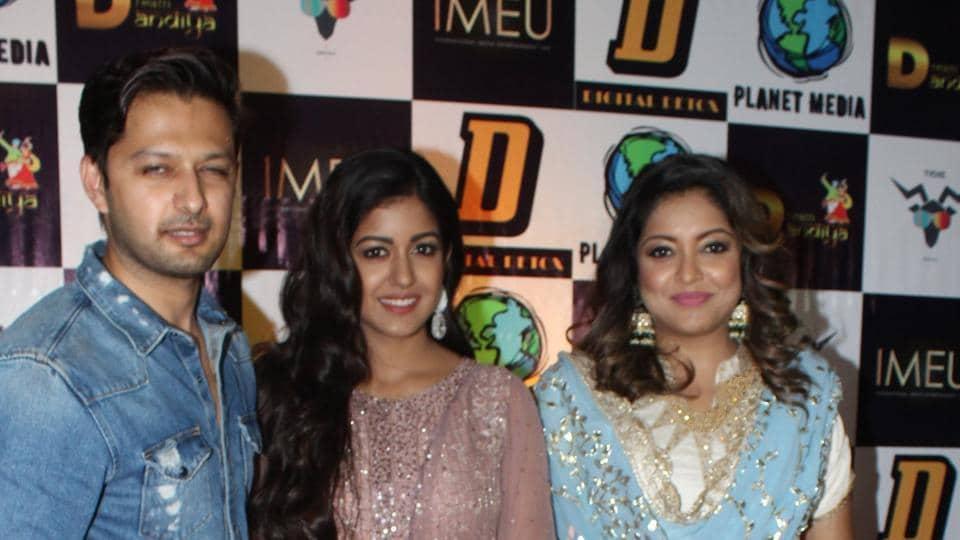Tanushree Dutta steps out for Navratri with sister Ishita, Vatsal Sheth. See pics