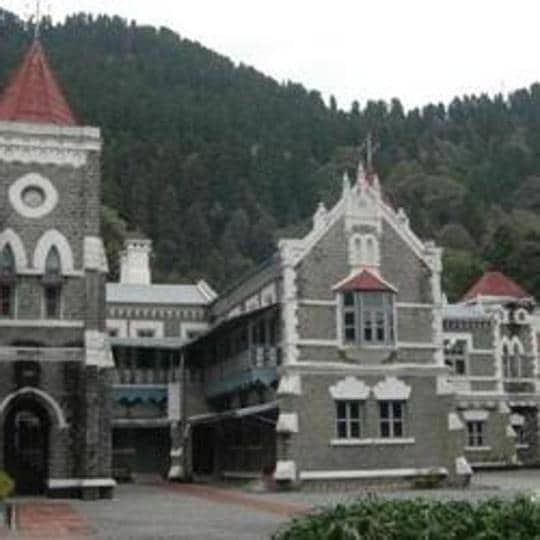 The Uttarakhand High Court 's directions came ta the hearing of a bunch of PILs on the condition of quarantine centres in four districts.