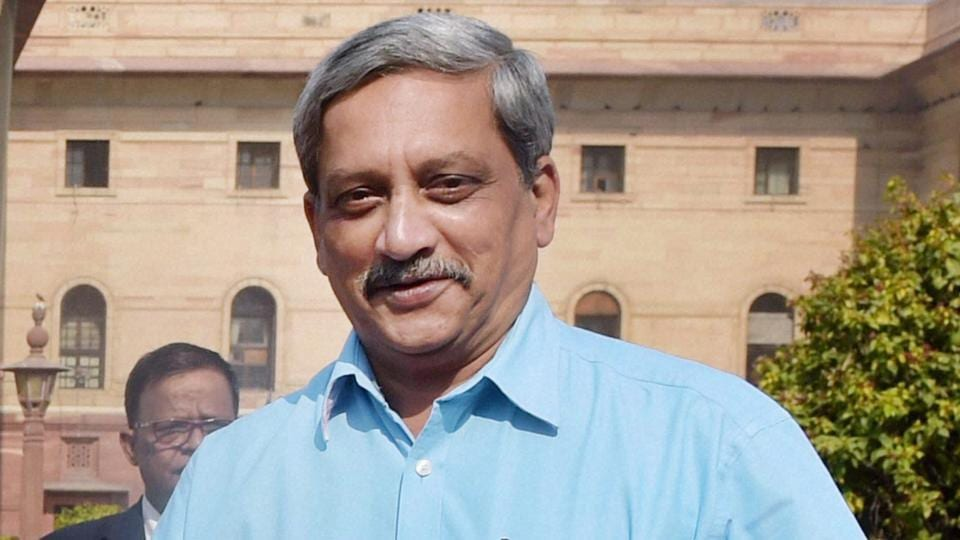Goa chief minister Manohar Parrikar's health has improved and doctors have advised him rest for a week, his office said Monday.