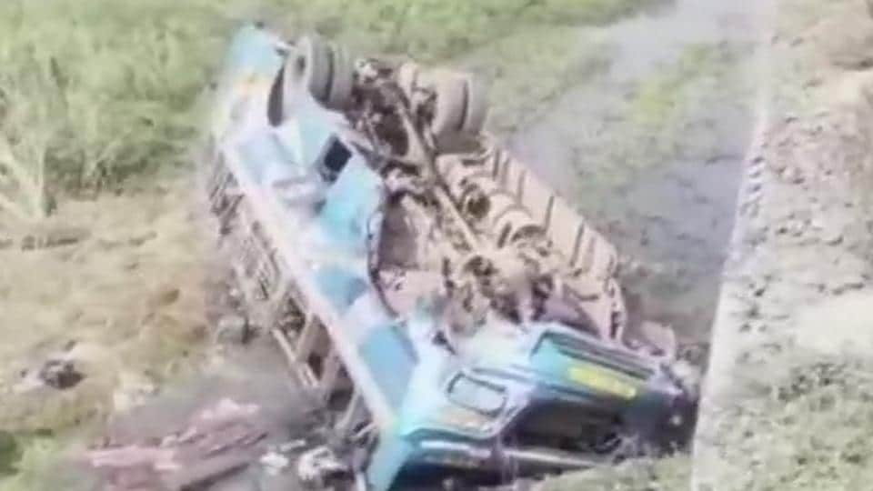 bus accident in hoogly district,west bengal,accident