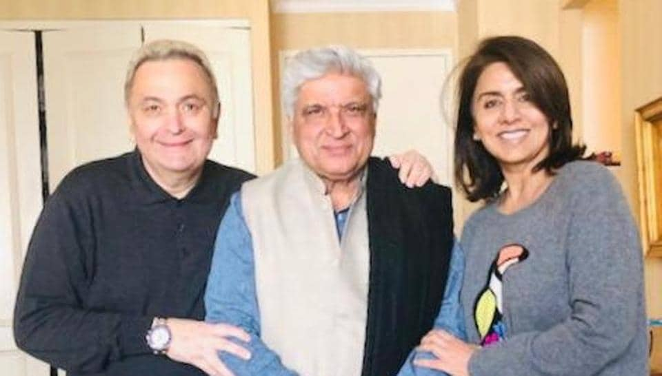 Javed Akhtar met Rishi Kapoor and Neetu Singh in the US.