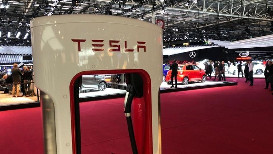 Tesla,Tesla Model 3 sedan,Tesla sedan