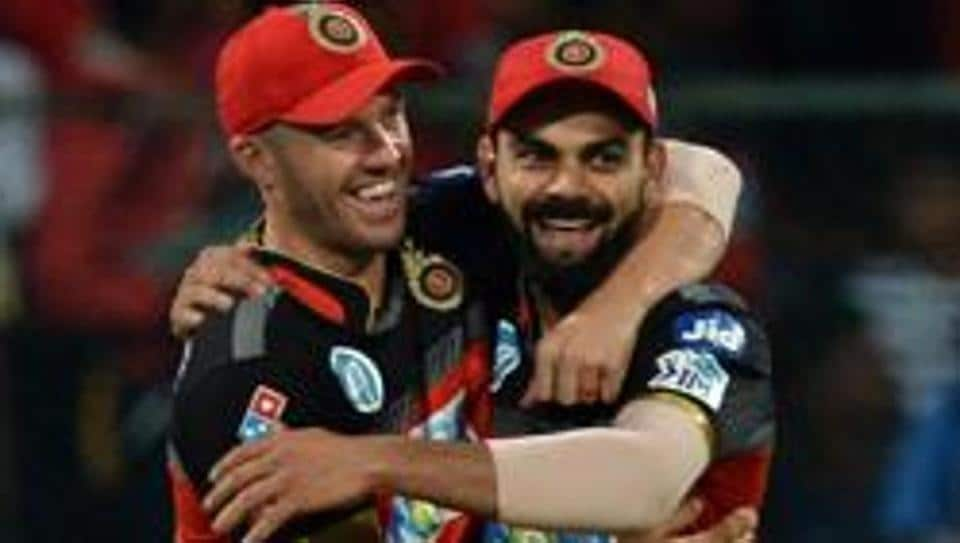 File image of AB De Villiers (left) with Virat Kohli.