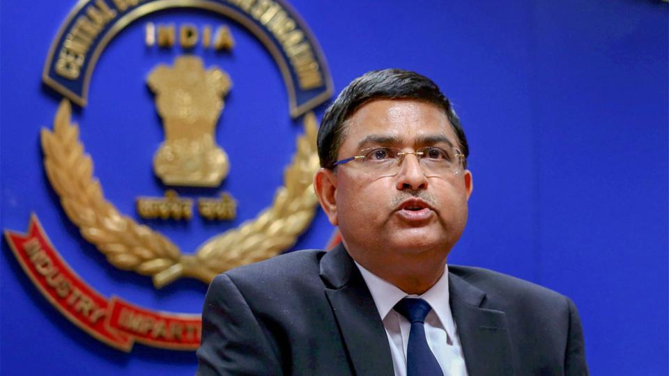 CBI special director Rakesh Asthana named in a corruption case has approached the Delhi High Court to seek protection against arrest. Asthana's petition came hours after CBI officer Devender Kumar, who was arrested yesterday, asked the High Court to cancel the bribery case filed against them. (PTI File)