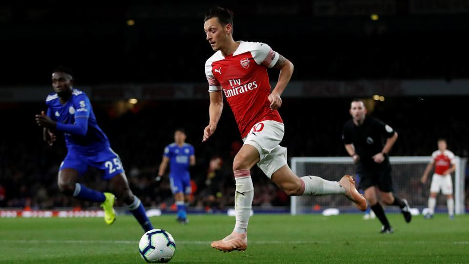 010f2475d26 Aubameyang and Ozil inspire Arsenal comeback against Leicester ...