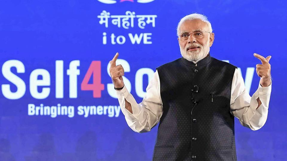 Prime Minister Narendra Modi interacting with the IT electronic manufacturing Professionals on Self4Society, at the launch of the