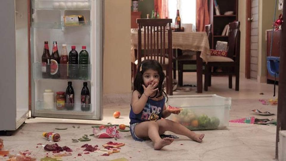 Pihu Bollywood Is Raving About This Story Of Girl Left Alone With