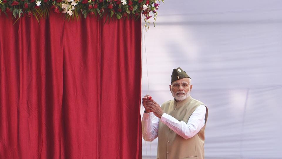 Prime Minister Narendra Modi during a flag-hoisting ceremony to mark the 75th anniversary of establishment of Azad Hind Government, at Red Fort in New Delhi. (Raj K Raj / HT Photo)