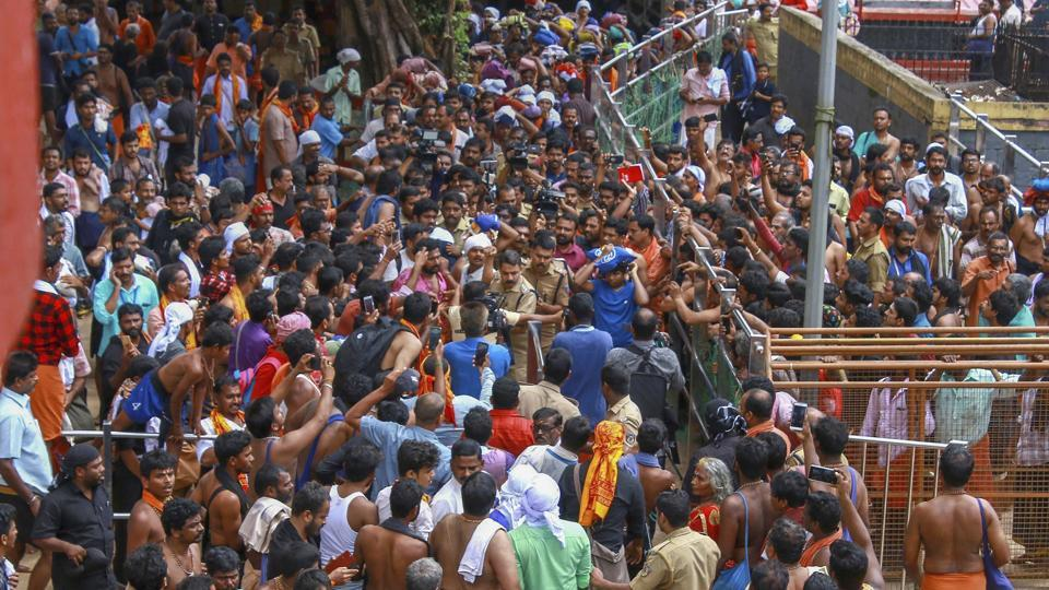 Protestors outside Sabarimala temple on October 26, 2018. Over 3,345 protesters who prevented women from entering the Sabarimala temple have been arrested while 517 cases have been registered at various police stations across Kerala, authorities said on Sunday.