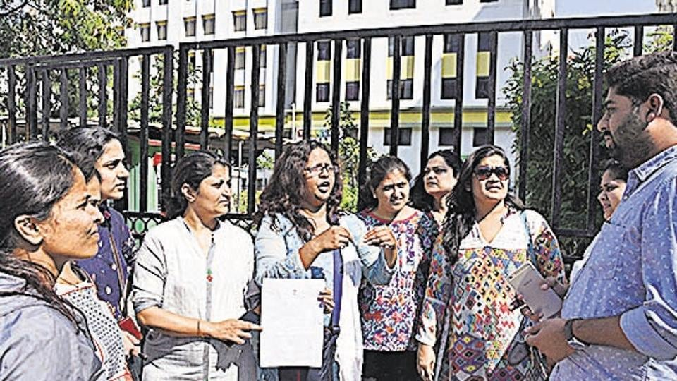 Pune,fee hike issue,second day in a row