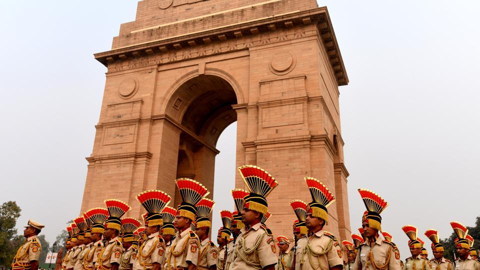 Delhi Police present a parade march with Police Band, on the occasion of National Unity Day, celebrated as a tribute to Vallabhbhai Patel, at India Gate in New Delhi on October 31, 2018. (Amal KS / HT Photo)