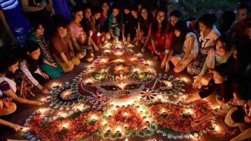 Happy Diwali 2018 Latest Wishes Messages And Quotes To Share On