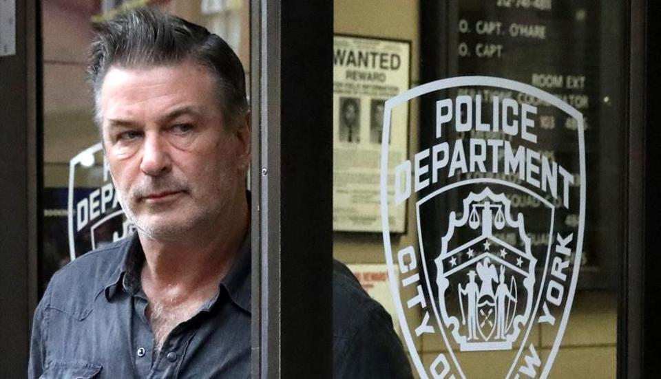 Alec Baldwin,Alec Baldwin arrested,Alec Baldwin parking spot fight