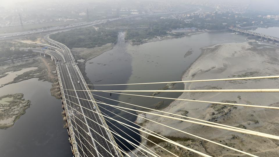 People will be taken to the top of the bridge in four elevators with a total capacity of carrying 50 people. Still under construction, the deck will not be available for public use for at least another three months, according to media reports. (Ajay Aggarwal / HT Photo)