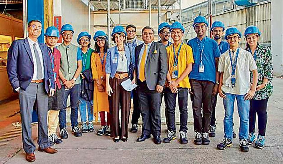 The team of nine student-researchers from the Santacruz school to visit CERN.