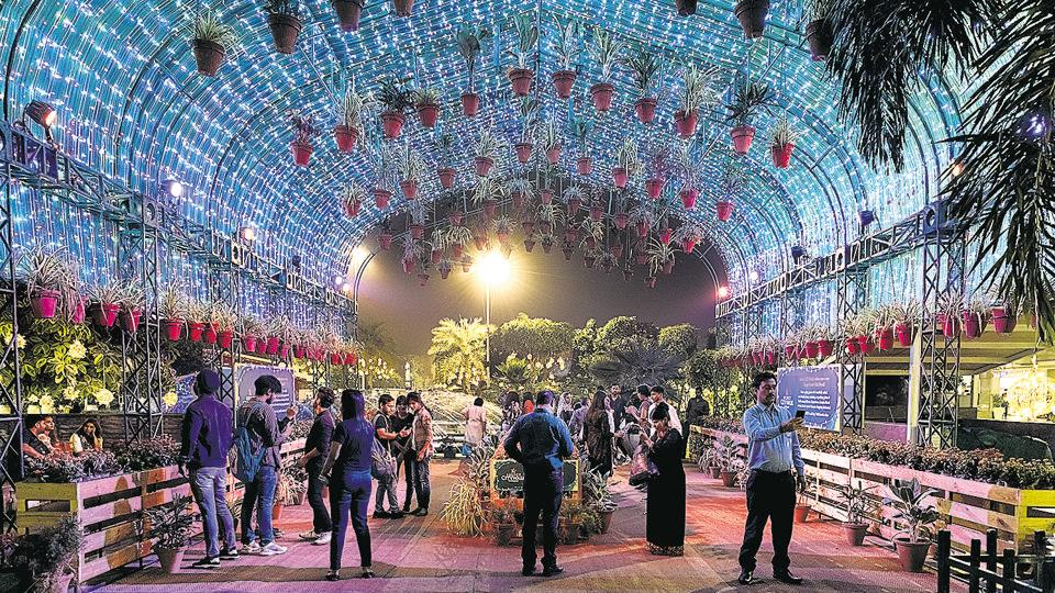 Pollution and other worries can wait, as the Capital puts its best self forward, hoping the festival of lights brings it some reprieve.   (Sarang Gupta/Hindustan Times)