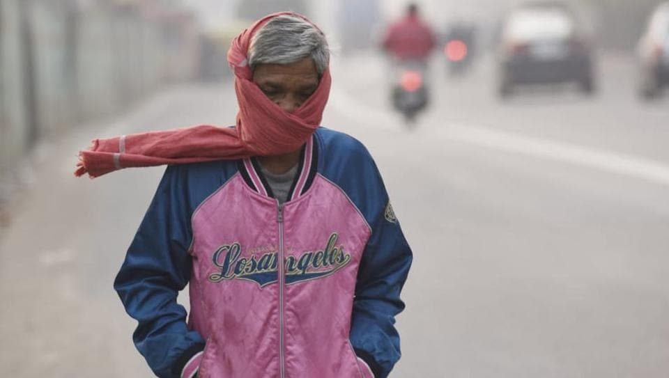 """Delhi's air quality was recorded as """"hazardous"""" and """"severe"""" at several places on Thursday, as residents continued to burst firecrackers long after the two-hour deadline set by the Supreme Court for Wednesday. This followed a tamer Tuesday and day-time Wednesday, when sunny skies and noticeably clearer air were felt in the capital. (Sanchit Khanna / HTPhoto)"""