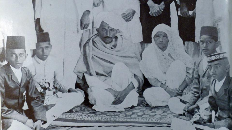 Mohandas Karamchand Gandhi and Kasturba at a reception given in Ahmedabad in 1915. Gandhi returned to India from South Africa that year