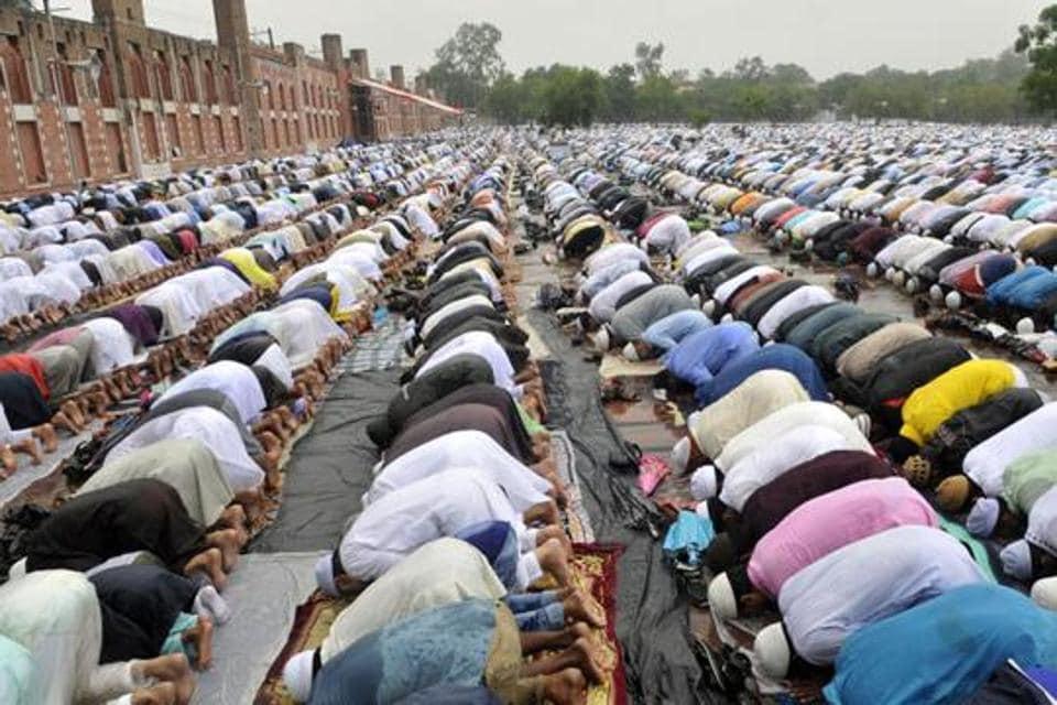 namaz,muslim cleric on namaz