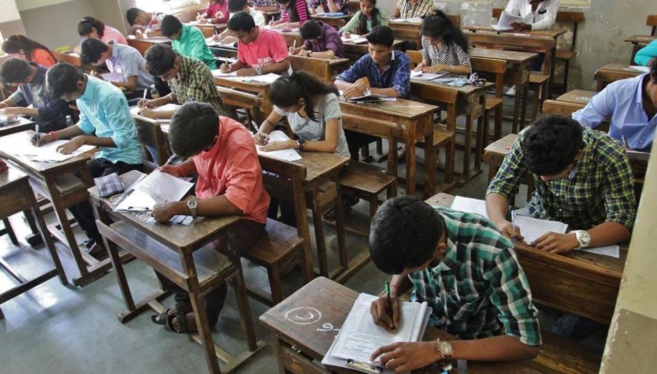 Pune,junior colleges,teaching staff