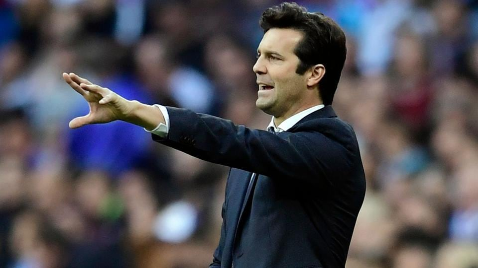 Real Madrid coach Santiago Solari gestures during the La Liga match between Real Madrid CF and Real Valladolid FC.
