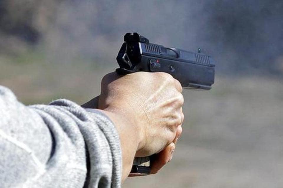 Delhi cop stolen pistol,stolen pistol,service pistol