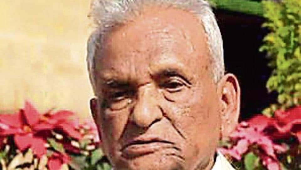 Maharashtra's longest-serving assembly member, Ganpatrao Deshmukh, 92, on Tuesday announced his retirement from electoral politics.