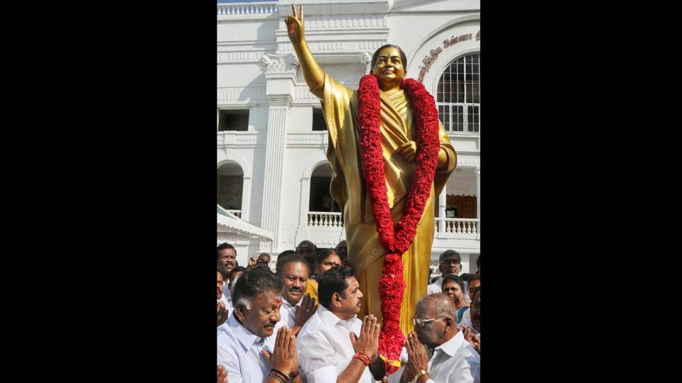 A statue of late AIADMK supremo and former chief minister J Jayalalithaa formally unveiled by Tamil Nadu chief minister Edappadi K Palaniswami, Tamil Nadu deputy chief minister O Panneerselvam and others, at the party headquarters in Chennai. (PTI)