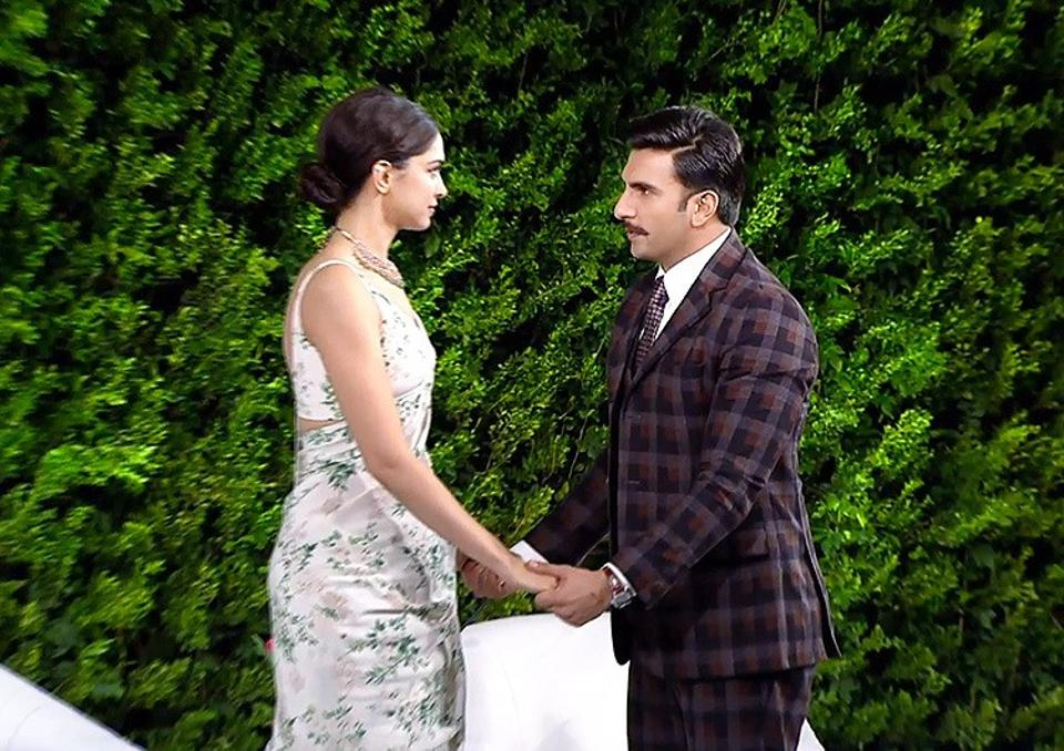 Deepika and Ranveer share official wedding photos and break the internet