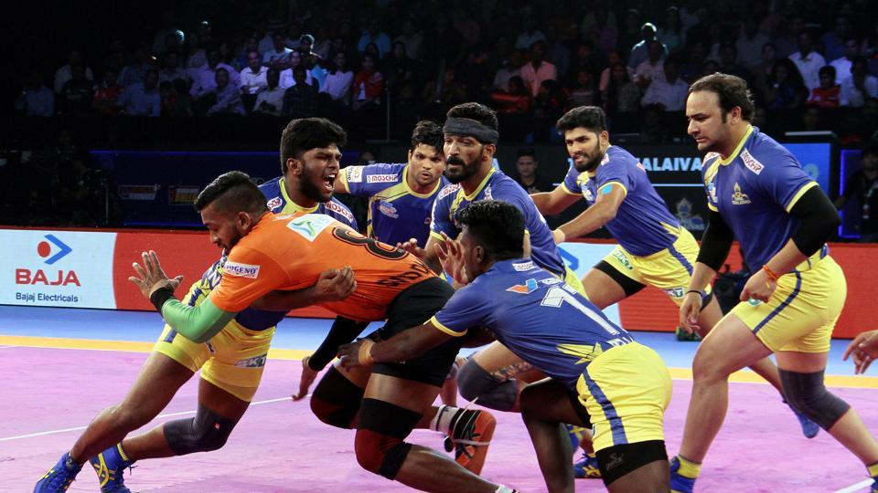 U Mumba's Siddarth Desai in action against Tamil Thalaivas.