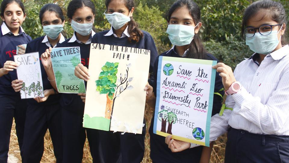On the morning of Children's Day, 5,000 students,teachers, and volunteers from 31 city schools gathered at the Aravalli Biodiversity Park in Gurugram.